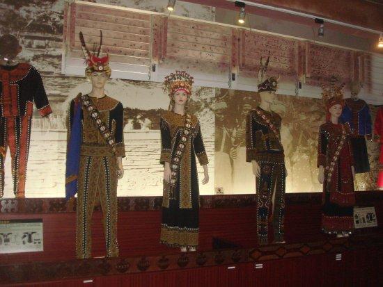 Taitung, Taiwan: 原住民排灣族、魯凱族服飾