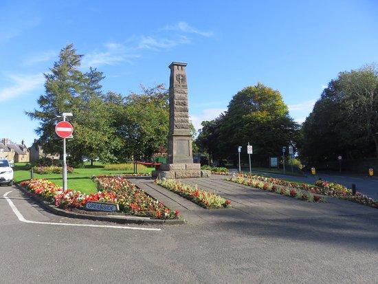 Leslie War Memorial
