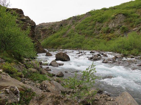 Akranes, Islandia: The river