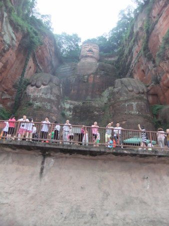 Leshan, Cina: View from the boat.