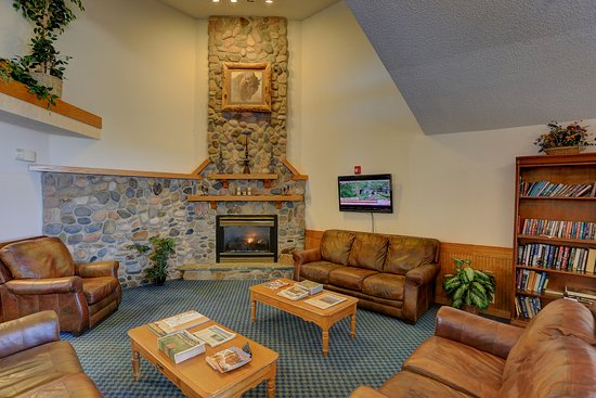 Woodland Park, CO: Our very comfortable lobby