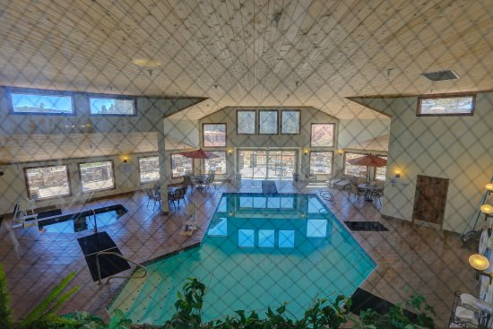 Woodland Park, CO: Indoor pool.  Bring your swimwear!