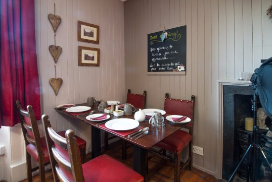The Red Lion: Breakfast Room