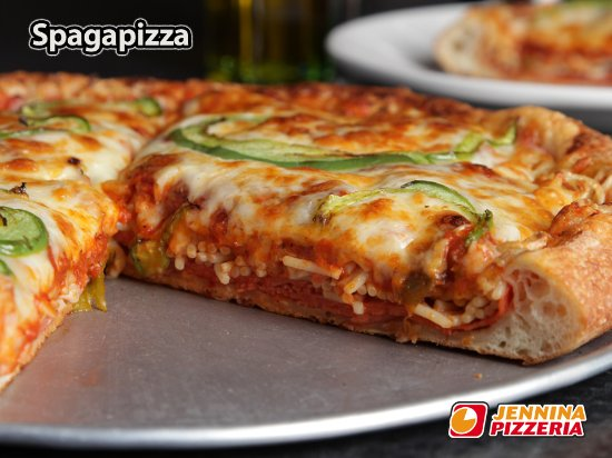 Saint-Constant, Kanada: One of our specialties... Pizza with spaghetti in between the toppings
