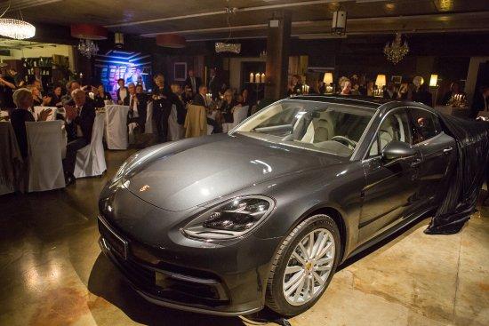 Raubling, Γερμανία: Porsche Panamera Präsentation in unserem Restaurant