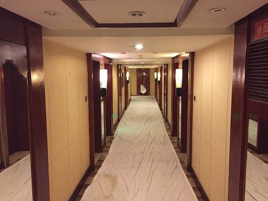 Minshan Lhasa Grand Hotel (chengdu, Kina)  Omdömen Och. Blue Sky Hotel. The Lancaster Hotel. Blu Hotel Morisco Hotel. Landhaus Carstens Hotel. Aragon Hotel. The Lofts Hotel. Hotel Internazionale. Renaissance Beijing Capital Hotel