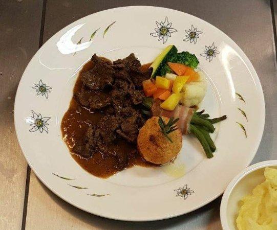 St. Antonien, Switzerland: Wir kochen nur mit Fleisch aus der Region
