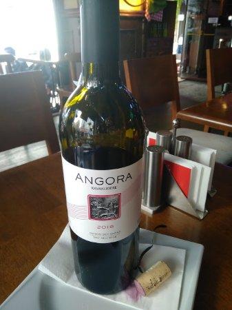 Red River Pub: vino turco