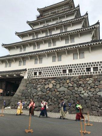 Shimabara Castle: お城前でパフォーマンスをする島原城7万石武将隊