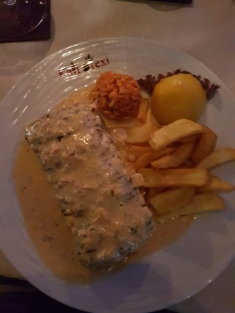 Preetz, Alemania: Bifteki in fetter Sosse ertrunken