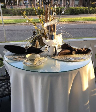 Blue Heron Inn - Amelia Island: ONe of the many beautiful table settings at the Inn
