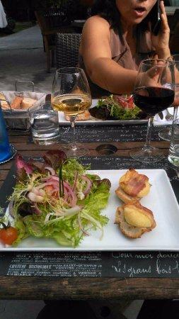 Hourtin, ฝรั่งเศส: crottin chavignol et salade