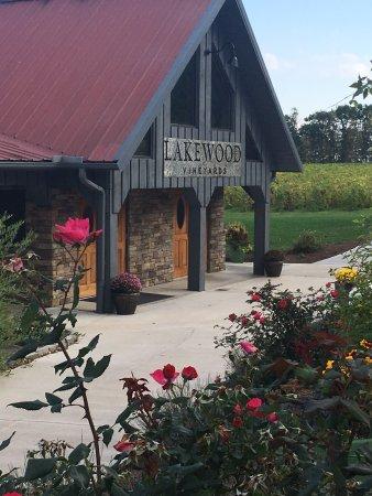 Lakewood Vineyards: photo0.jpg