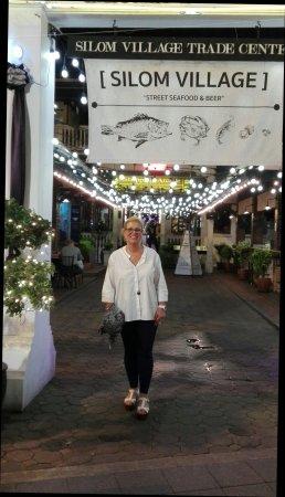 Silom Village Restaurant: IMG_20171018_204600_large.jpg