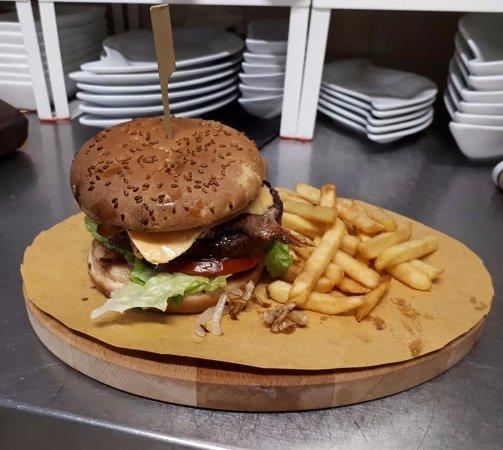 Gualdo Tadino, Italien: Hamburger lucignolo