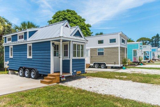 tiny house siesta updated 2019 prices cottage reviews sarasota fl tripadvisor. Black Bedroom Furniture Sets. Home Design Ideas