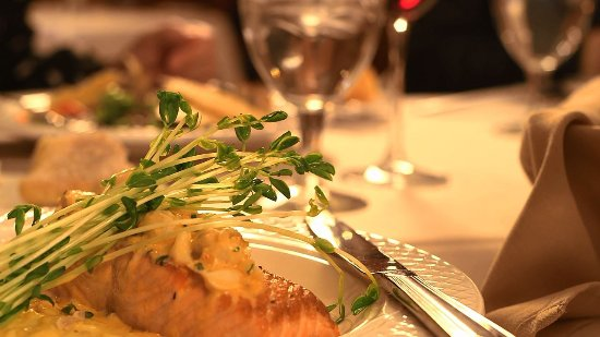 The Inn at Virginia Tech and Skelton Conference Center: Salmon Dish at Preston's Restaurant