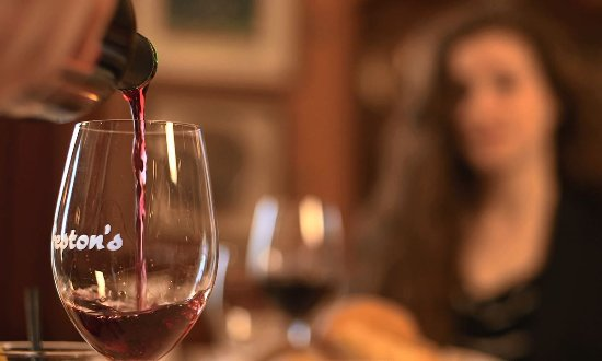 The Inn at Virginia Tech and Skelton Conference Center: Wine at Preston's Restaurant
