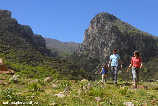 Кастельбуоно, Италия: Hiking excursions in the Madonie Natural Park, Sicily