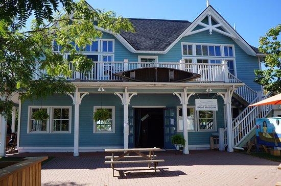 Gananoque, Canada: Arthur Child Heritage Museum façade