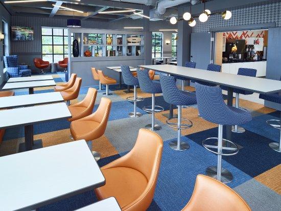 เบิร์นสวิลล์, มินนิโซตา: New Breakfast Seating Area