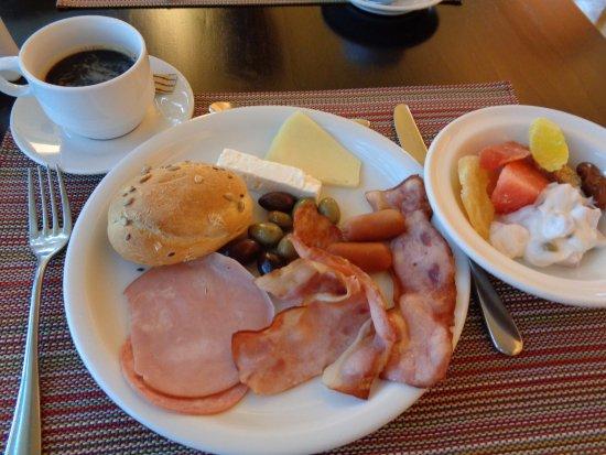 Bitzaro Palace Hotel: Petit déjeuner copieux