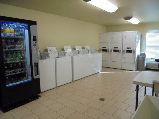 Kenai, AK: Public Laundry Room