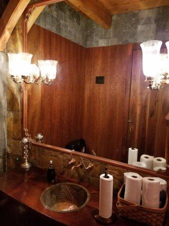 Dahlonega, GA: bathroom