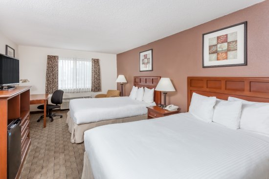 Tuscola, IL: two double beds