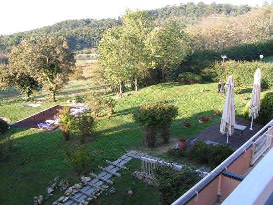 Pratolino, Włochy: vue terrasse sur extérieur