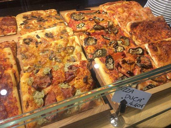 Esch-sur-Alzette, Luksemburg: Pizza (part)