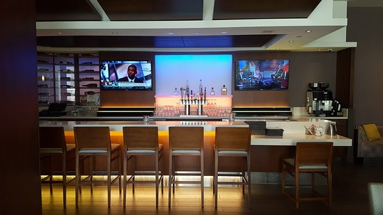 Hilton Woodland Hills/Los Angeles: Bar