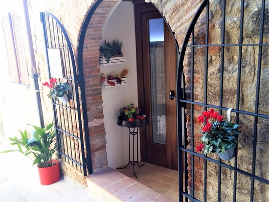 Acquasparta, Italië: Entrata Borgo 900