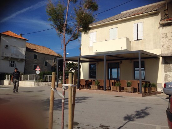 Kastel Novi, Kroatien: Restaurant Beltis