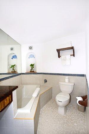 Casa Del Mar Cozumel Hotel & Dive Resort: Deluxe Cabana / Cabaña de Lujo