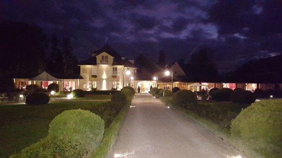 Relais & Chateaux - Hostellerie de Levernois: Vue de nuit