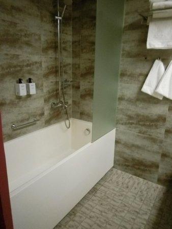Scandic Paasi : ванная в номере Superior Extra
