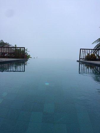 Gobleg, Indonesien: ciel et piscine ne font qu'un