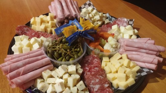 Enderby, Canadá: Pre-Order your Deli Platters for any special event!