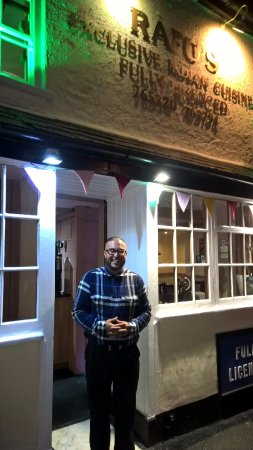 Highworth, UK: Omar - lovely guy !