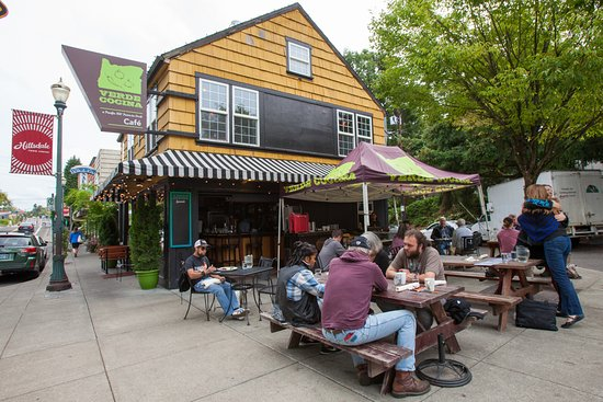Verde Cocina Hillsdale: Patio seating during Portland's warmer months in the heart of Hillsdale (SW PDX)