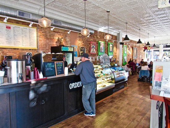 Chelsea, MI: Order at the counter, bus your dishes, feel relaxed and welcomed