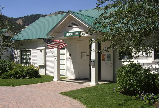 Ketchum, Айдахо: Our open hours are 1-5 pm, Wednesday through Saturday.  Come see us for a taste of local history