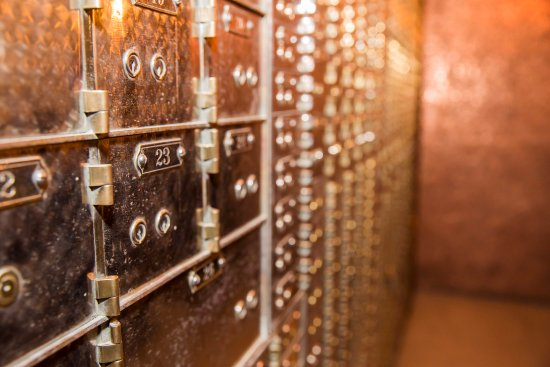 Bentleyville, Pensilvania: Safe Deposit Box Beauty Shot