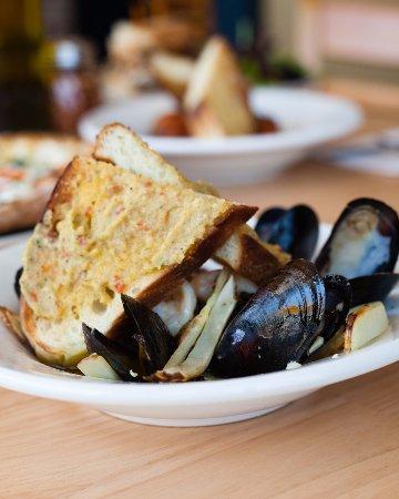 Hyattsville, MD: mussel appetizer