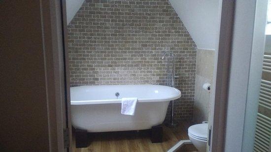 Nettlebed, UK: Large oval bath