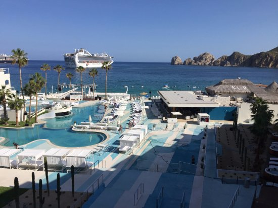 Me Cabo By Melia The Pool Was Relatively Quiet While We Were There
