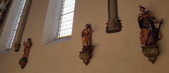 Gmunden, Austria: Santi alla parete