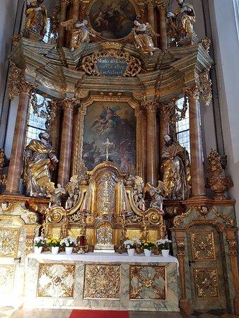 Gmunden, Austria: Altare