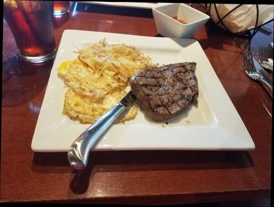 Dobson, นอร์ทแคโรไลนา: Steak and Eggs